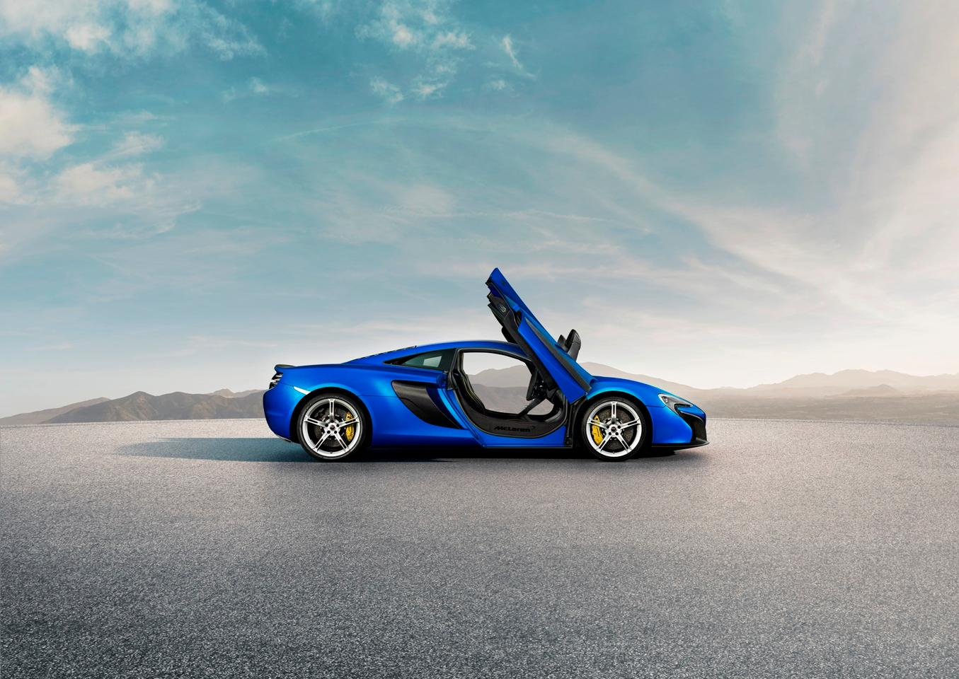The 650S runs a revised 3.8 liter twin-turbocharged V8 capable of developing 641 horsepower and 500 lb ft (678 Nm) of torque via a 7-speed SSG gearbox