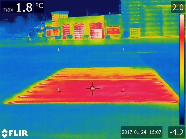 A thermal image of the conductive concrete