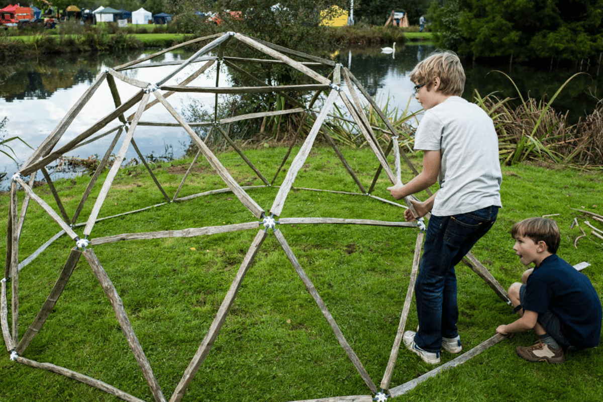 hubs promises to make building an open geodesic dome quick and easy