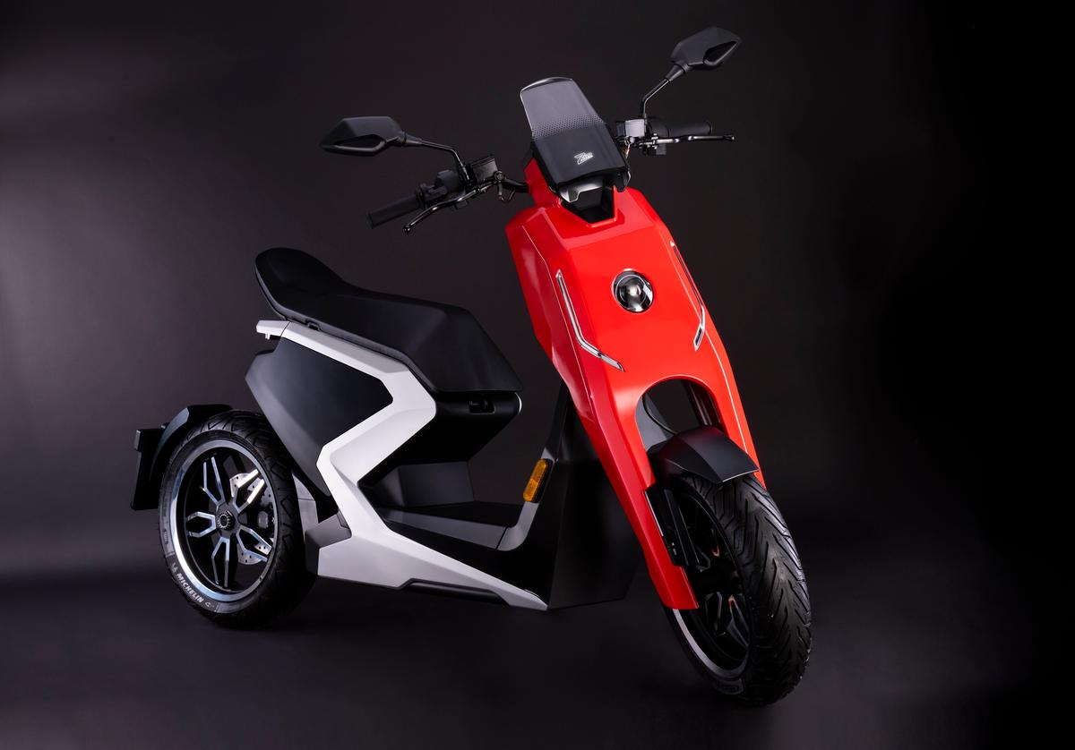Deliveries of the first i300 e-scooters to customers are due to start in Q4, 2019