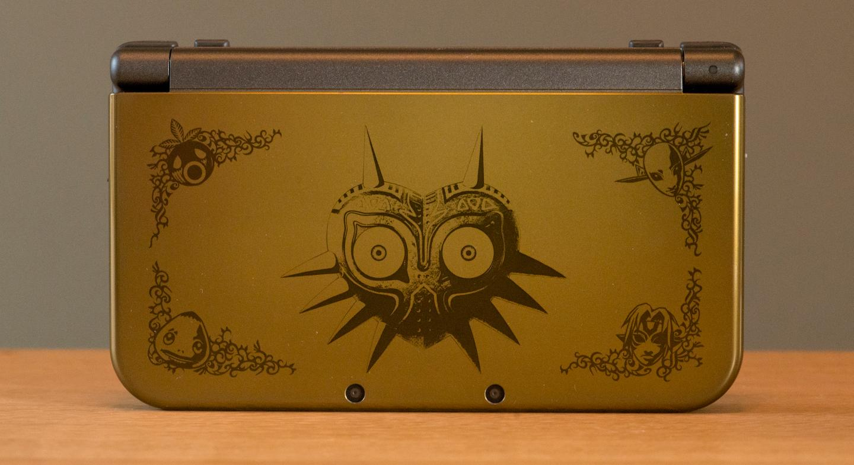 The Majora's Mask edition of the New Nintendo 3DS XL (Photo: Simon Crisp/Gizmag.com)