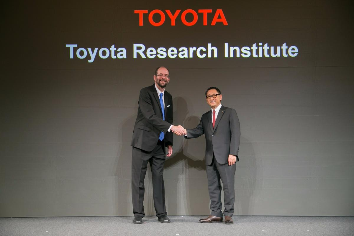 Dr. Gill Pratt (L), CEO of Toyota Research Institute, and Akio Toyoda, President of Toyota Motor Corporation at the TRI announcement