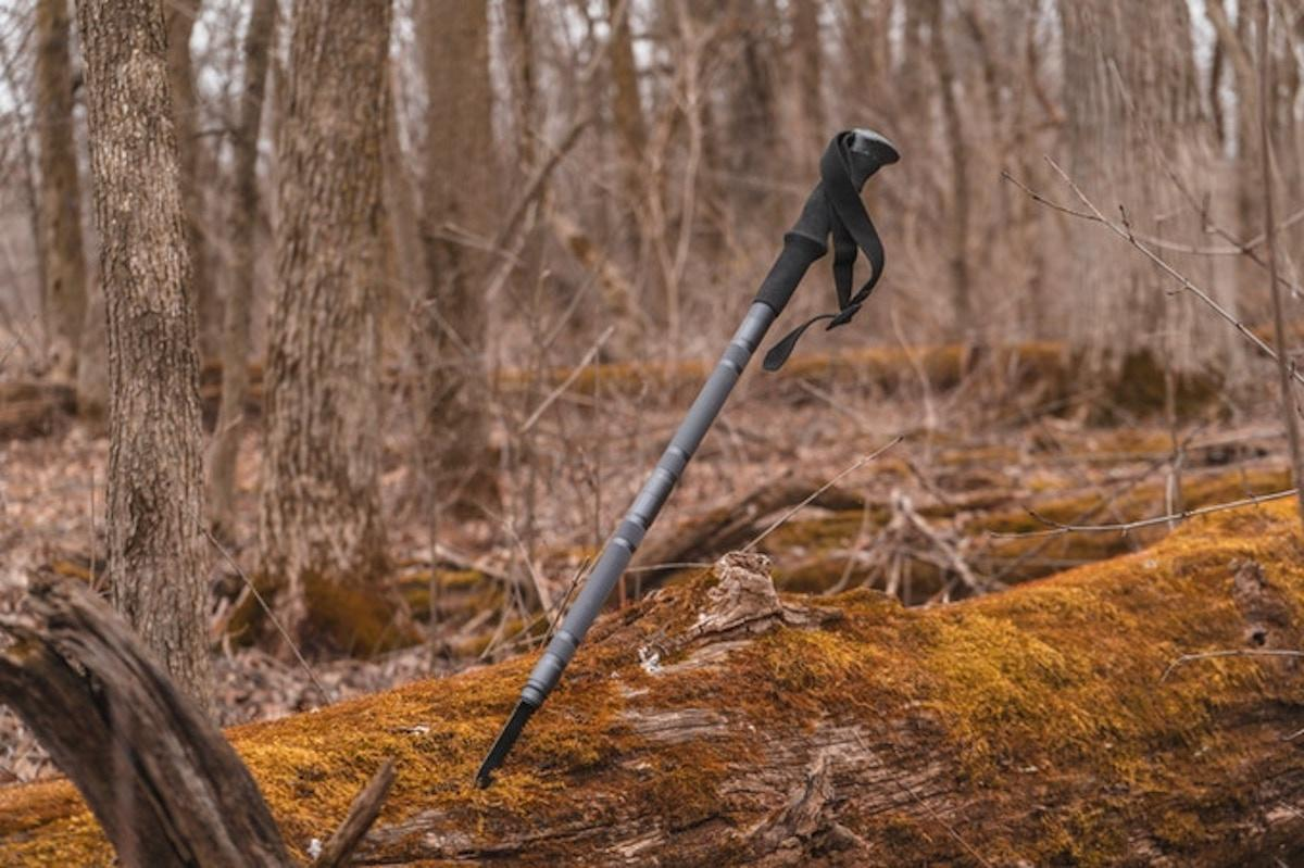 Early pledges for the Trekking Pole start at CA$85 (US$60) over at Toporo's Kickstarter campaign