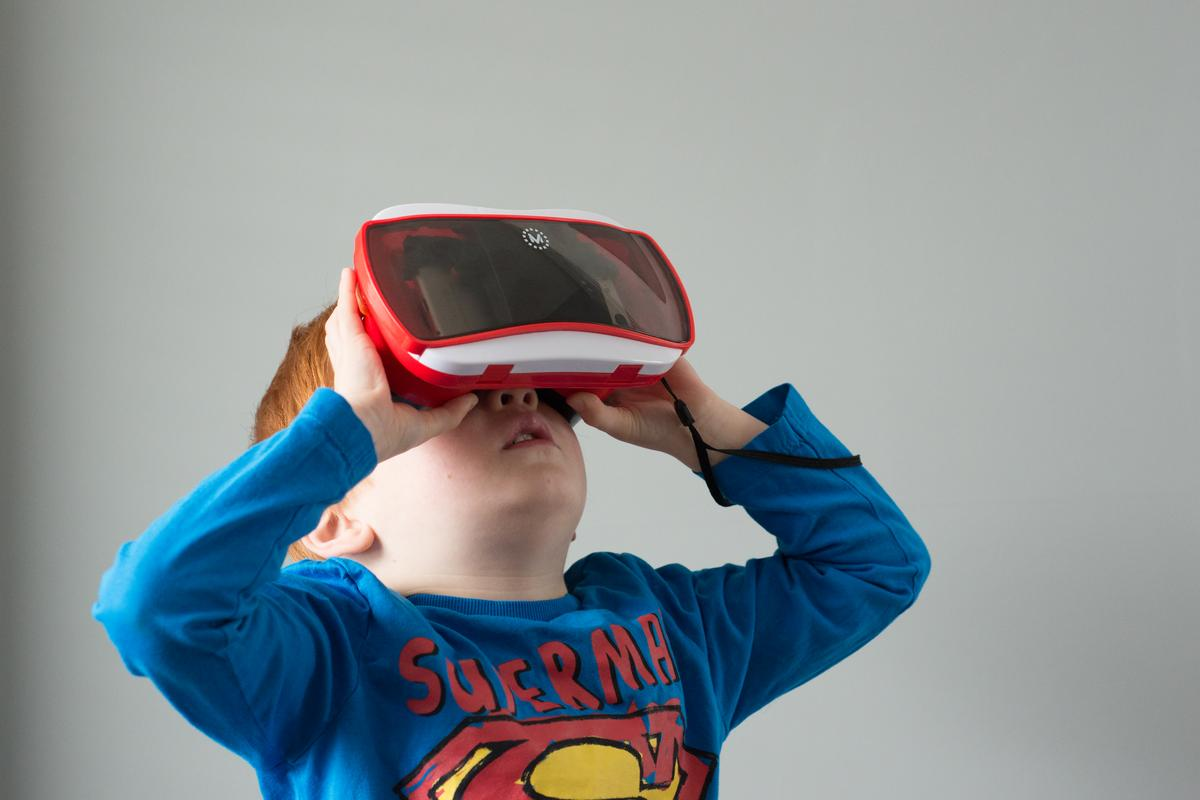Gizmag reviews the Mattel View-Master Virtual Reality