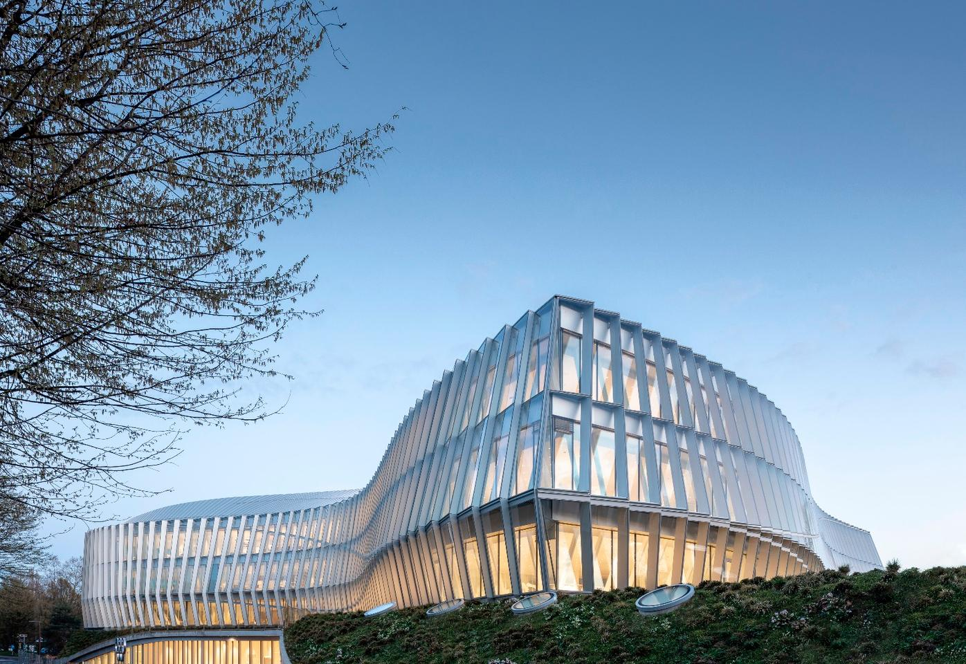 TheOlympic House, by 3XN, is a newsustainable headquarters for the International Olympic Committeein Switzerland