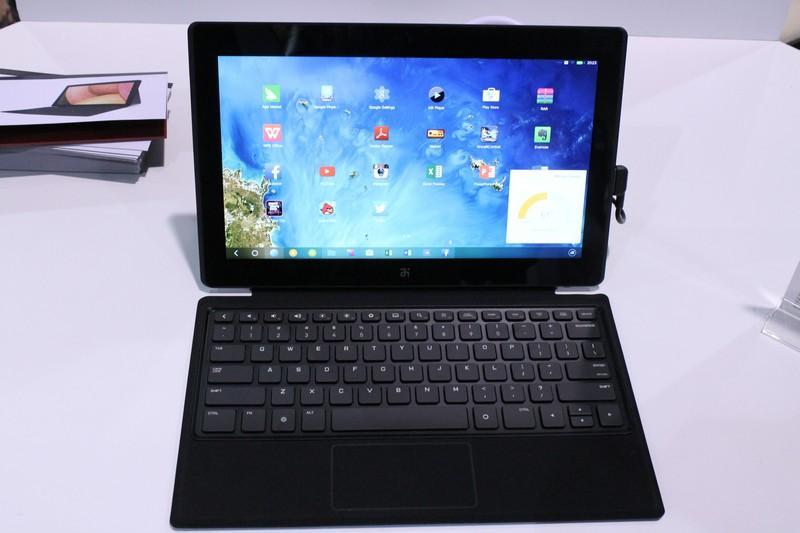 The Remix OS has a Windows and OSX-inspired desktop (Photo: Eric Mack/Gizmag.com)