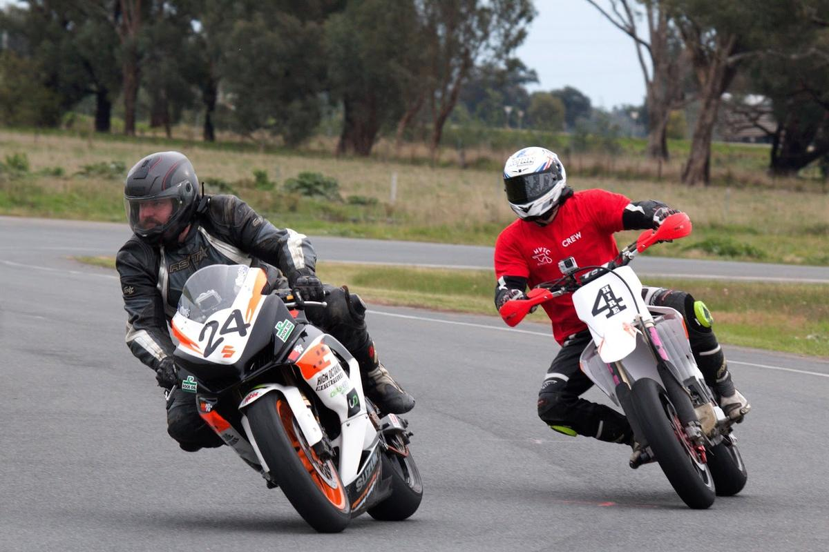 Coach Chas Hern helping Loz with body position, riding lines, braking points and more at the Murray Valley Training Co.