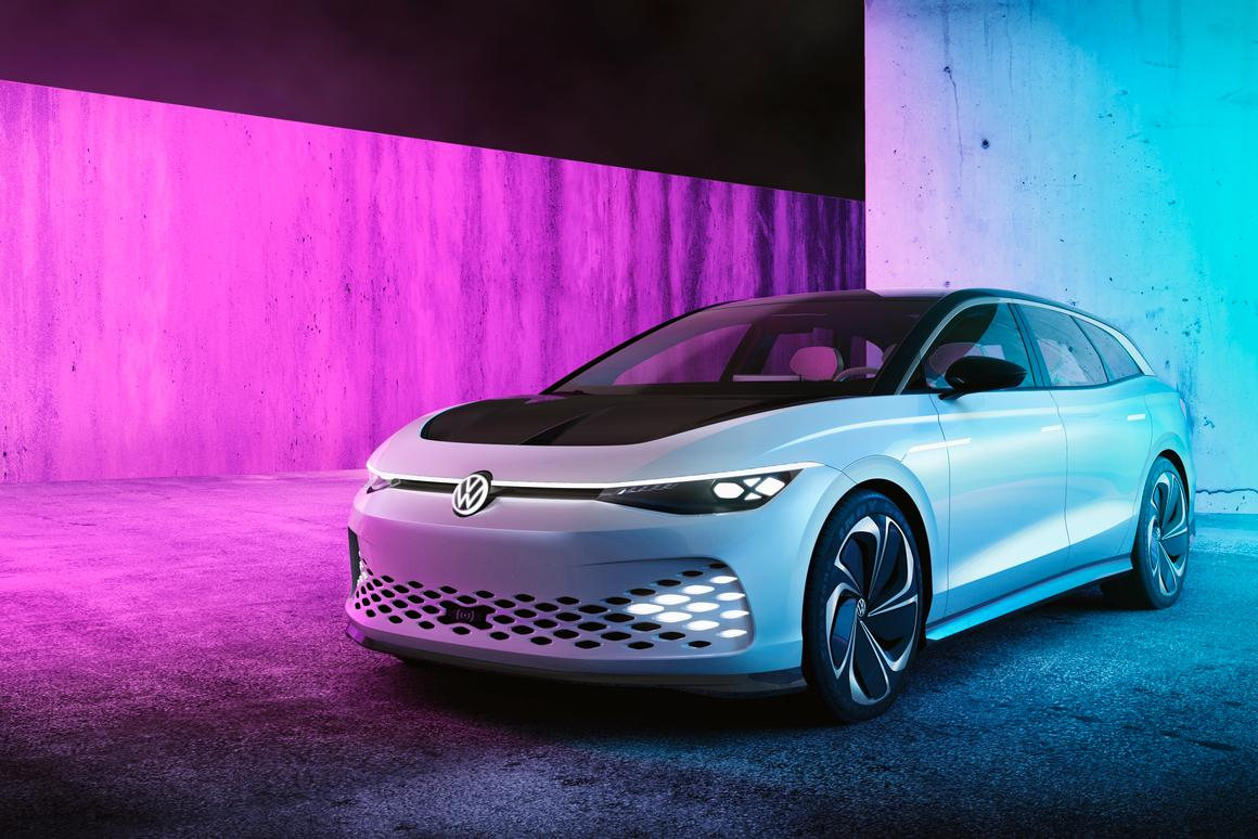 With a drag coefficient of just 0.24 and up to 300 miles of range, the VW ID Space Vizzion Concept is pretty ambitious