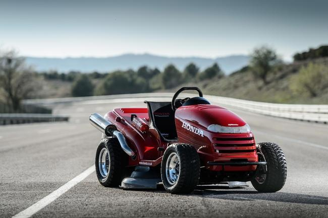 The Honda Mean Mower has set a new Guinness World Record as the fastest lawnmower
