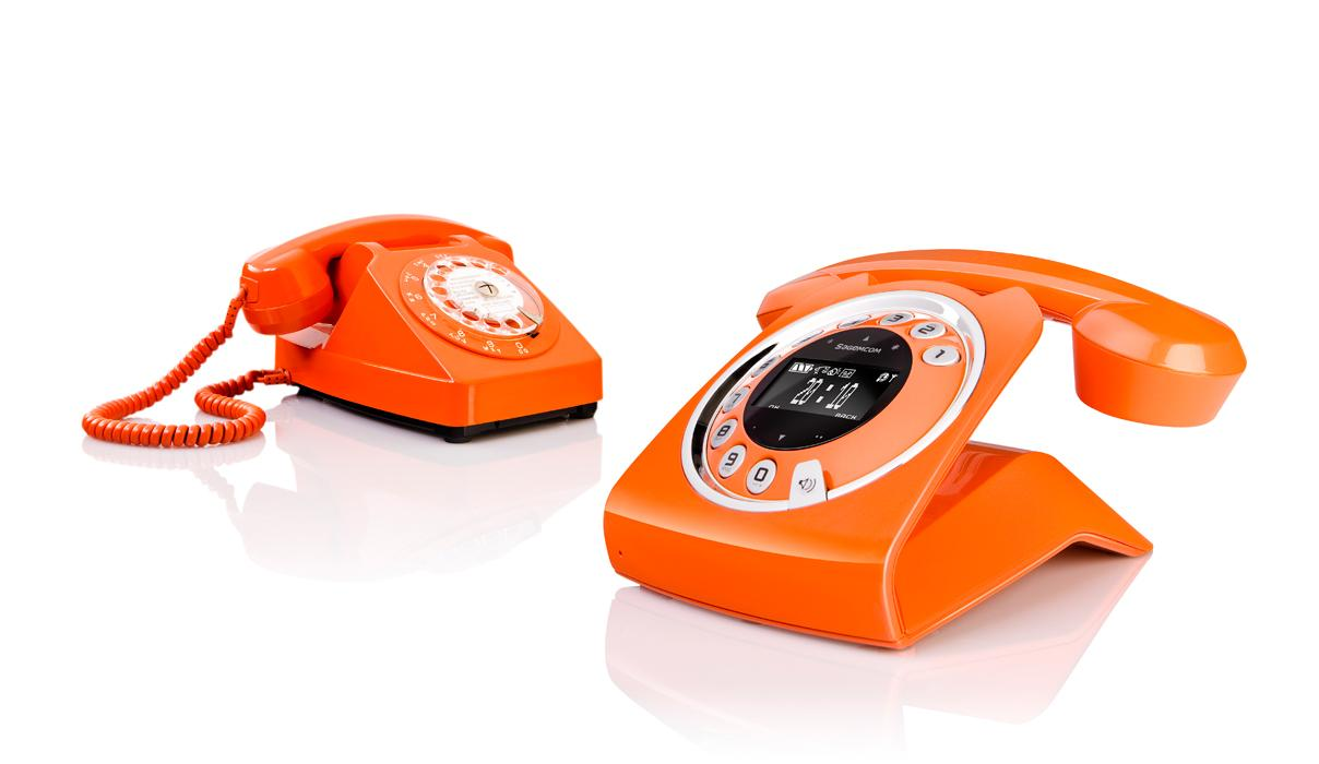 The Sixty offers rotating lights and sound effects during dialing