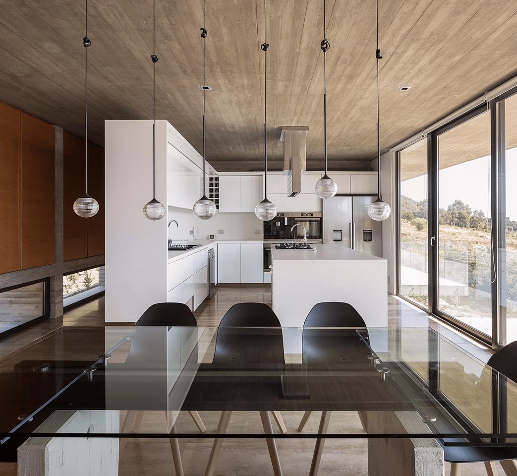 Inside La Casa H byFelipe Assadi Arquitectos
