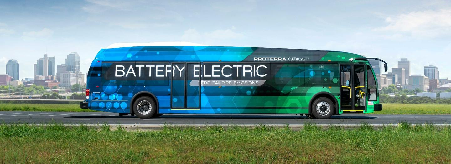 The Proterra Catalyst E2 can cover up to 350 mi on a single charge