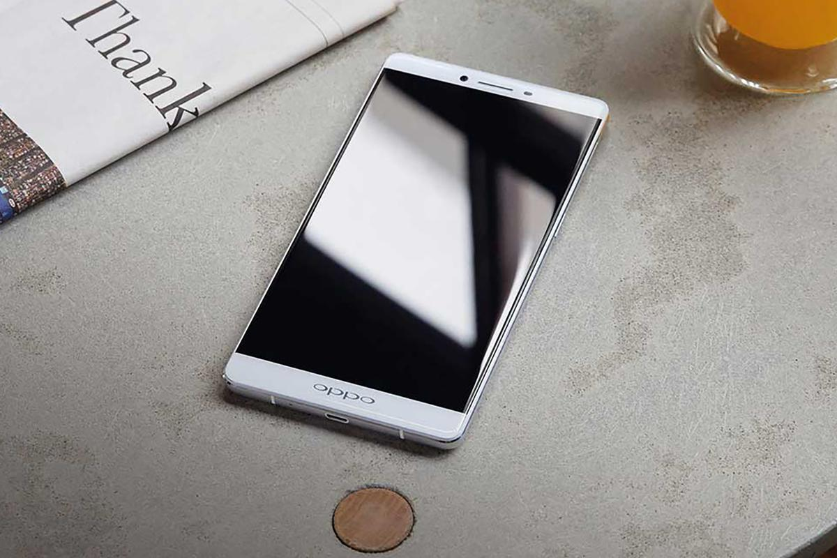 The Oppo R7 and R7 Plus (pictured) feature aluminum unibody designs