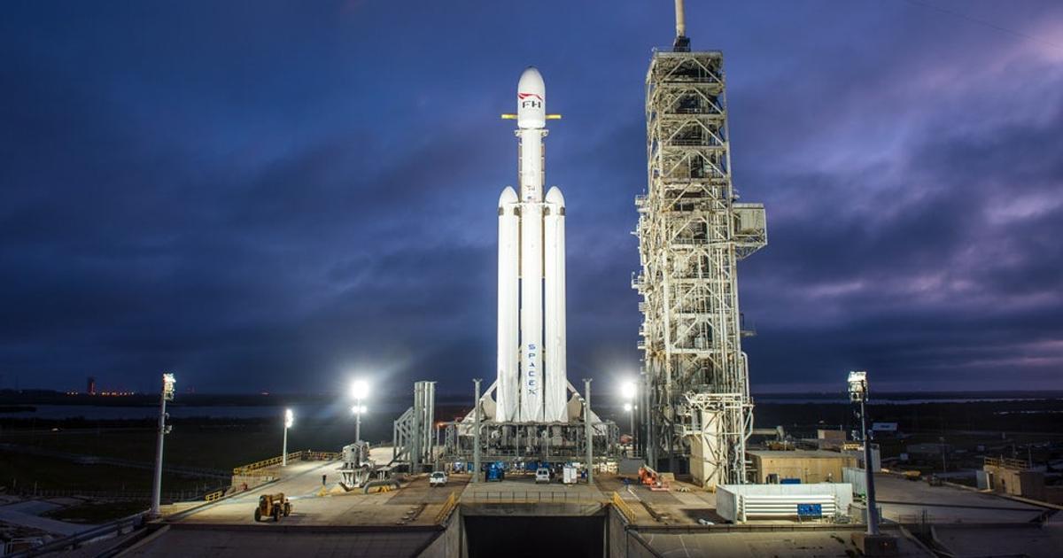 Falcon Heavy vs. the classic Saturn V