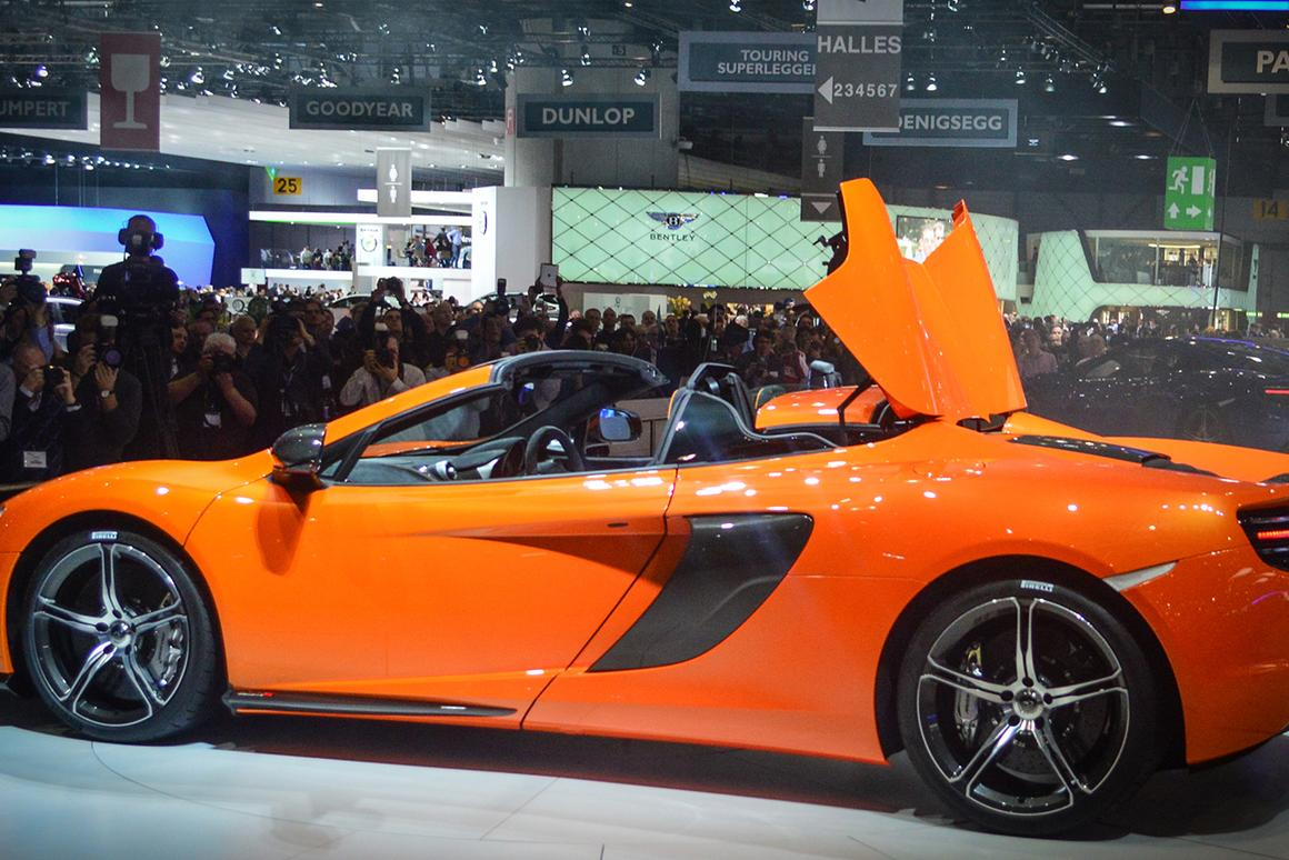 The world's auto media looks on as tgh eMcLaren 650S Spider is revealed in Geneva (Photo: CC Weiss/gizmag.com)