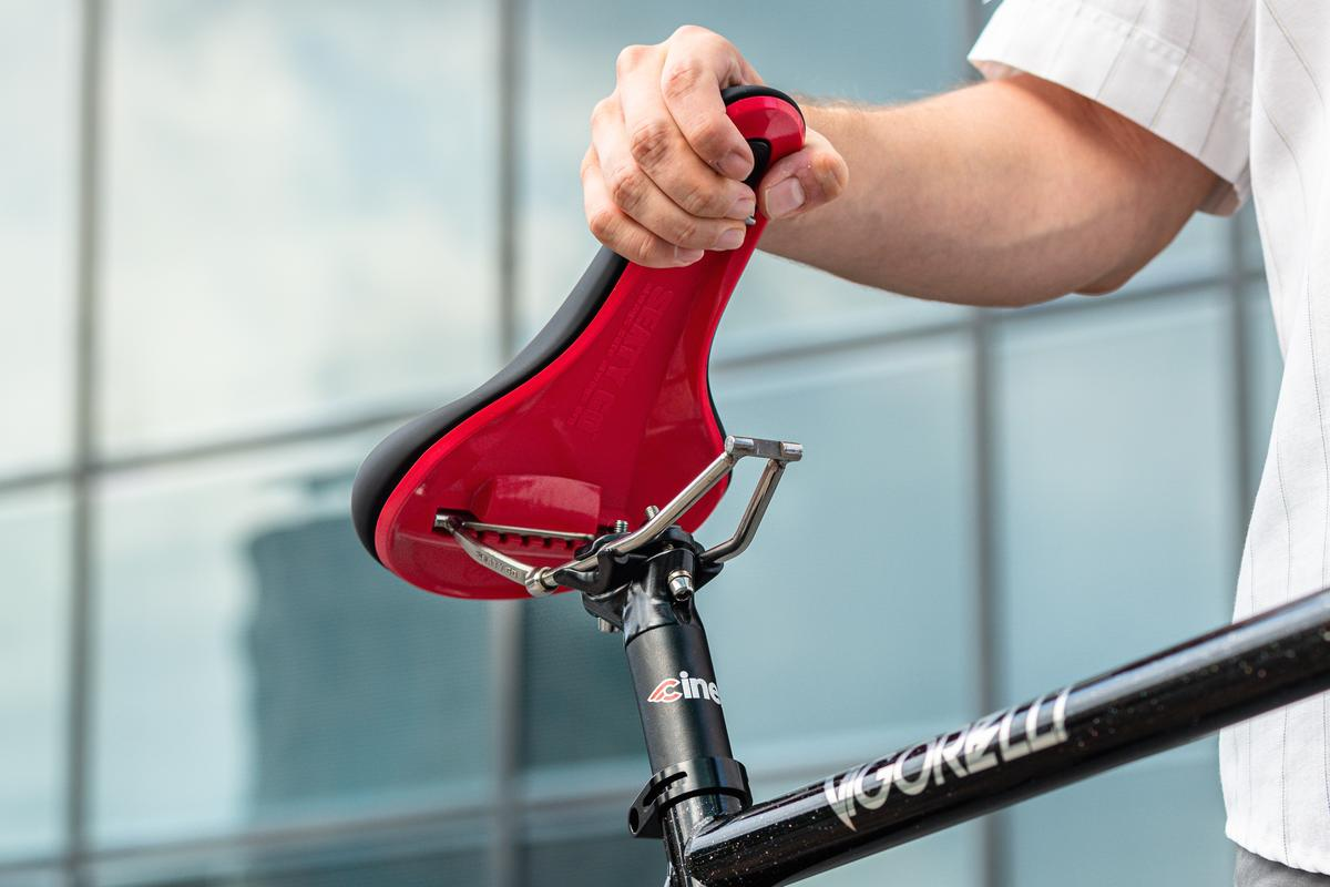 The SeatyGo saddle detaches from its rails within seconds