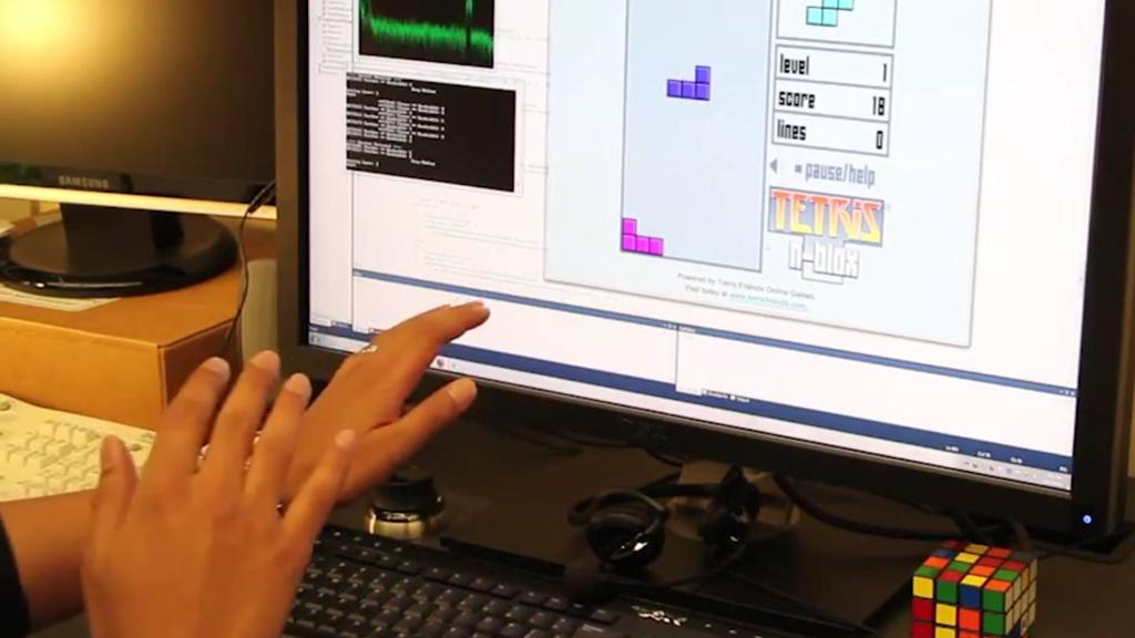 SoundWave is responsive enough to play Tetris using gesture controls