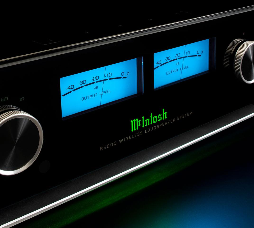 The RS200'sgloss black enclosure is fronted by a black glass panel that proudly displays the illuminated McIntosh logo and signature VU meters flanked by control knobs