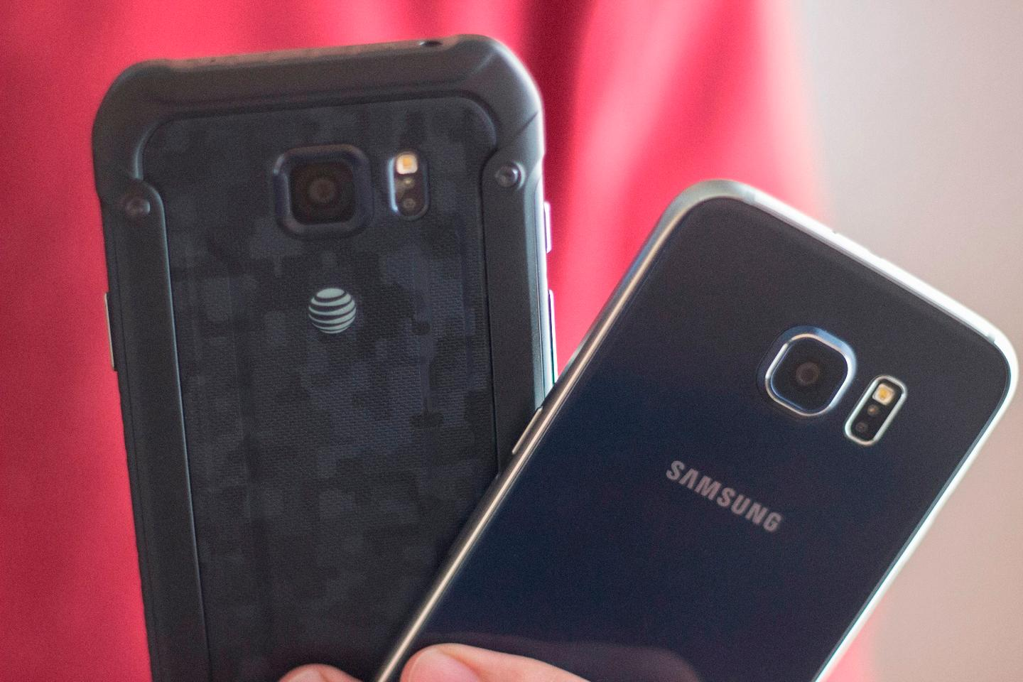 Galaxy S6 Active (left) with the standard Galaxy S6
