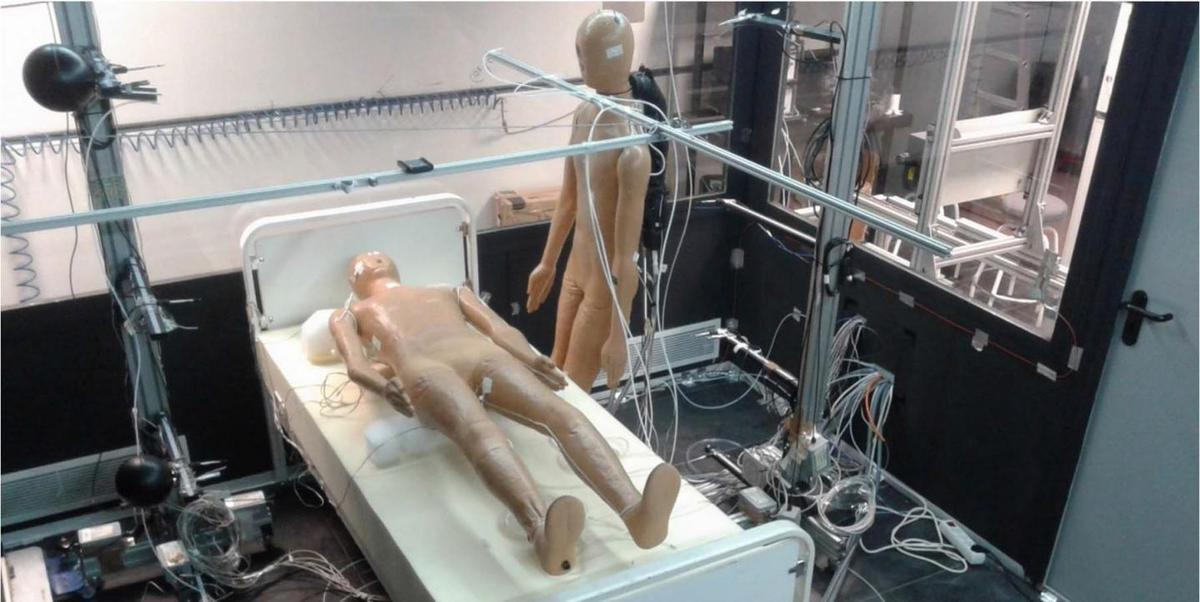 Two of the mannequins used in the study