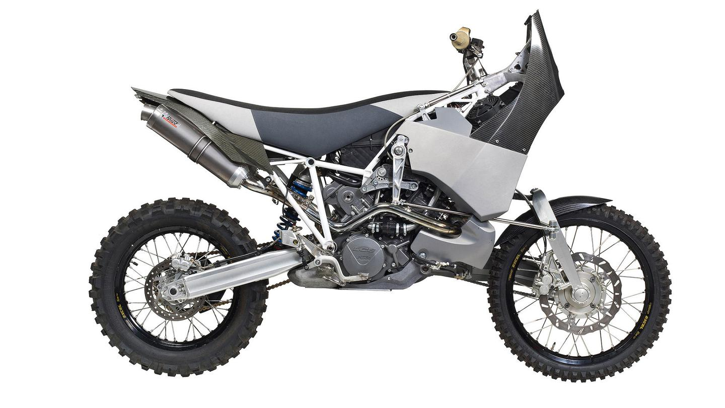The Projekt DT-A exchanges the front forks for a transmission-bearing swingarm