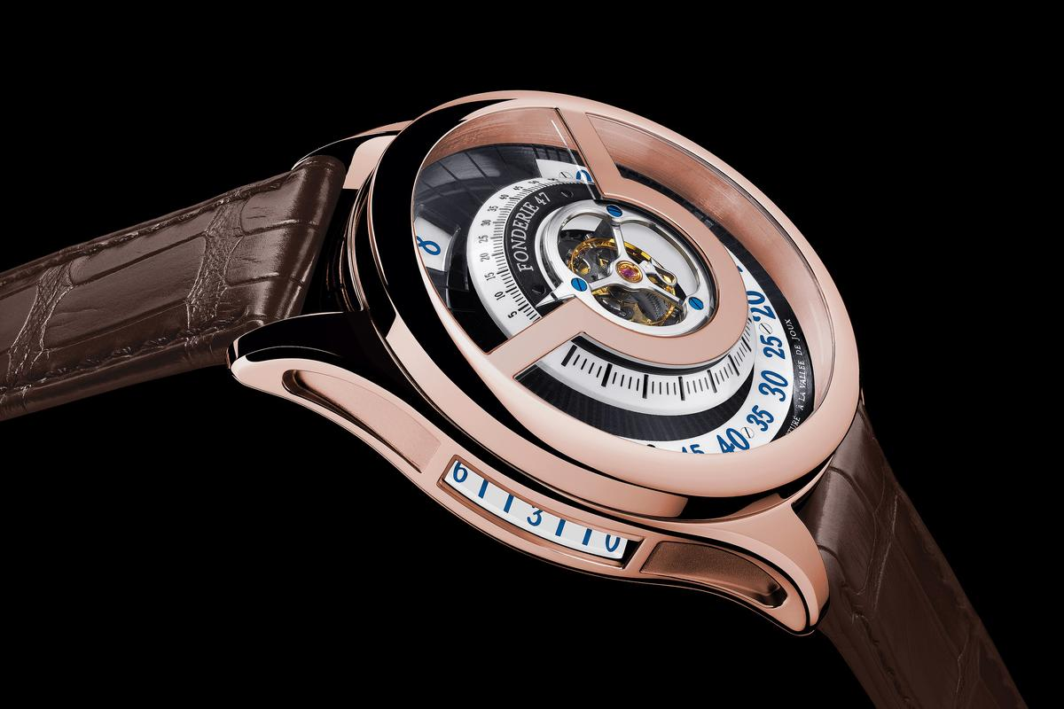 The Fonderie 47 Inversion Principle showing the side power reserve indicator
