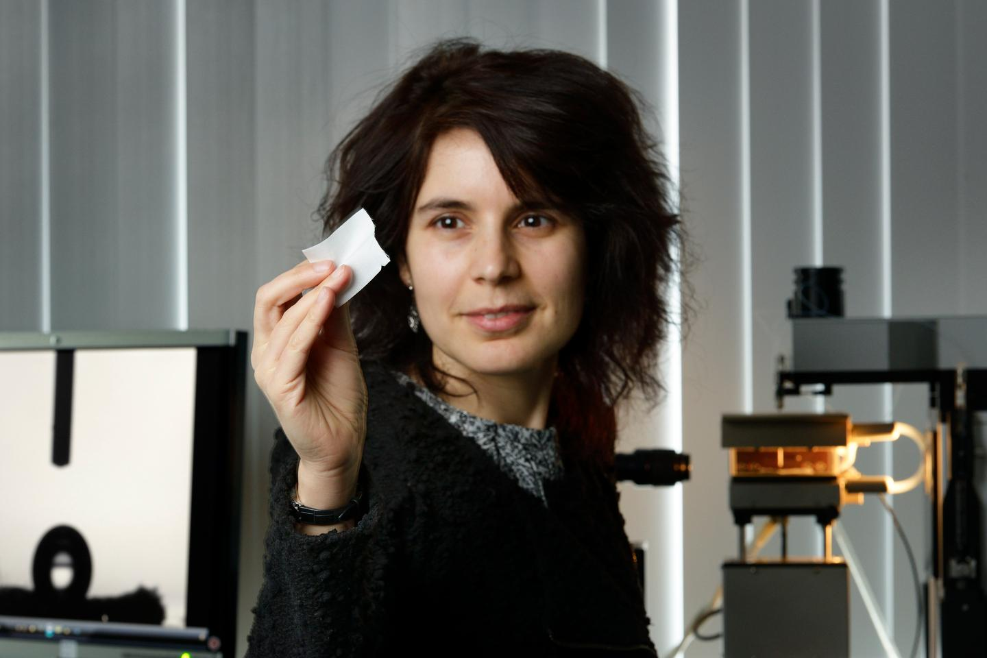 Eindhoven University of Technology's Dr. Catarina Esteves, with a piece of the fog-harvesting cotton