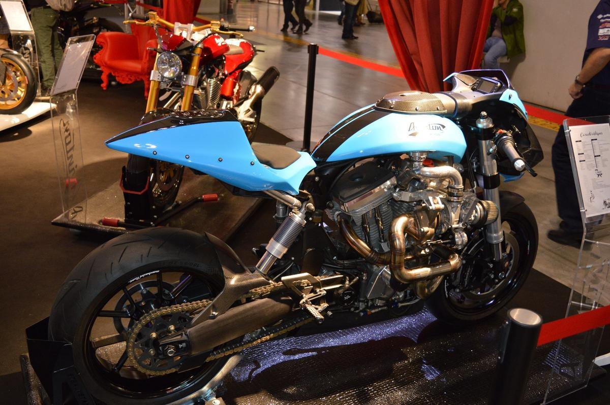 The Avinton Race R concept mates an S&S 100 ci (1,643 cc) twin-cylinder engine with a Garrett turbine
