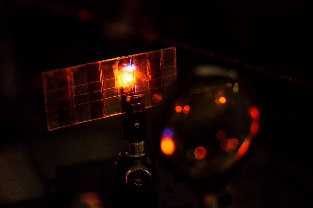 A new Perovskite solar cell has been found have light absorbing and light emitting properties (Photo: Nanyang Technological University)