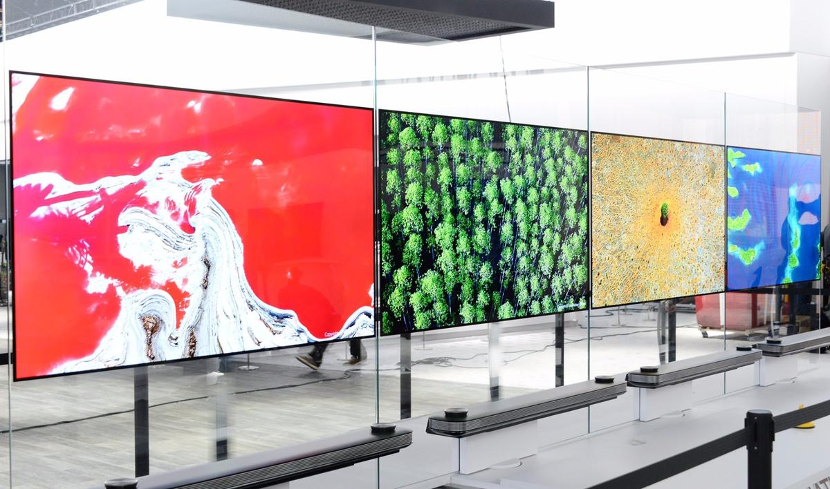 "LG's flagship 77-inch LG Signature OLED TV W took out the 2017 CES Best of Innovation Award with its ""Picture-on-Wall"" design."