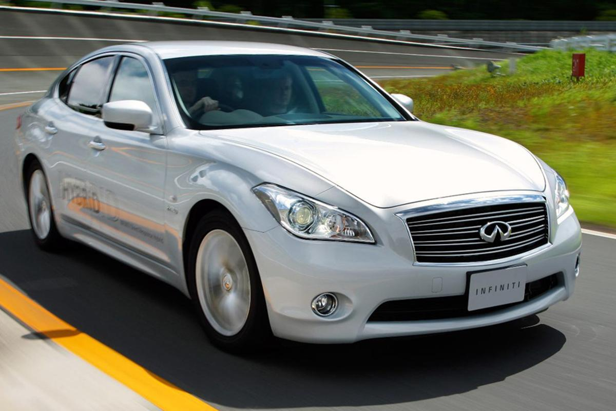 The Infiniti M35h hybrid will have an audible pedestrian warning system as standard.