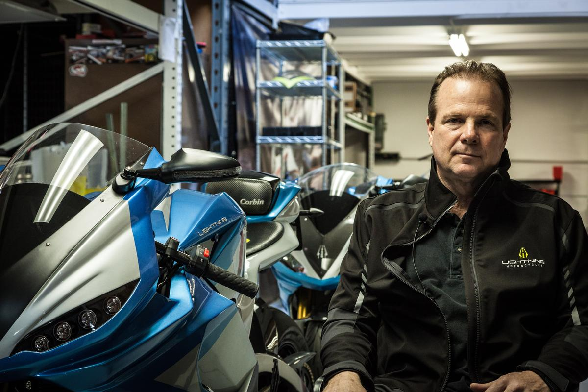 Lightning Motorcycle CEO and founder Richard Hatfield with the ferocious LS-218 (Photo: Loz Blain/Gizmag.com)