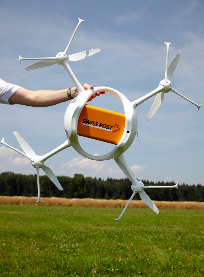 Each Matternet ONE is capable of carrying a maximum load of 1 kg (2.2 lb) for over 10 km (6.2 miles) per battery charge