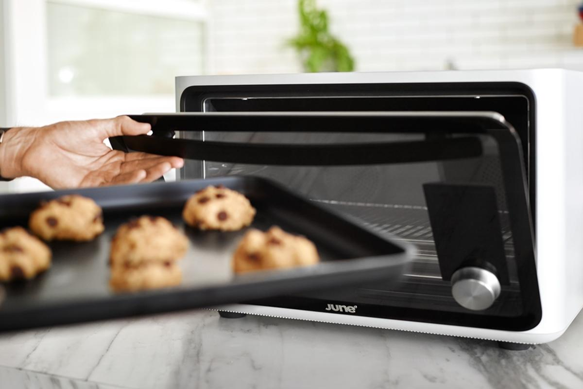 The June Intelligent Oven is able to detect certain food-types, such as meats, breads, fish and poultry, and recommend how they might best be cooked