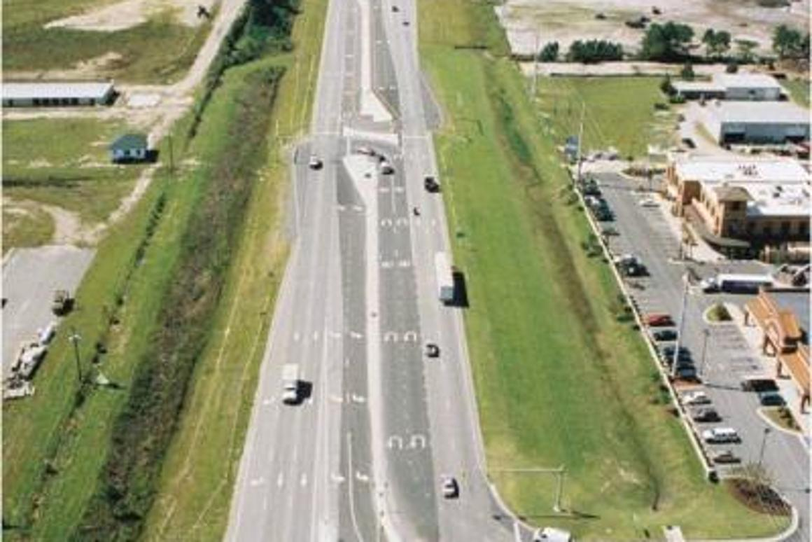 """""""Superstreet"""" traffic designs result in faster travel times and significantly fewer accidents, according to the new study. Credit: Dr. Joe Hummer, North Carolina State University"""