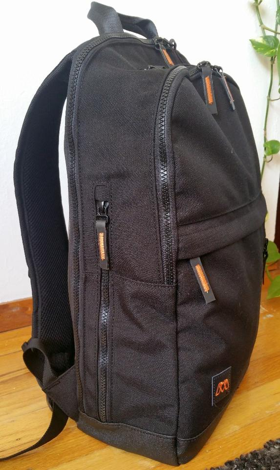 With exterior dimensions of 18 x 12 x 5 in and weighing a little more than 2 lb when empty, the MOS Pack is considered a slim backpack