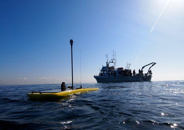 A group of four autonomous underwater vehicles have just set a world distance record, by traveling from San Francisco to Hawaii