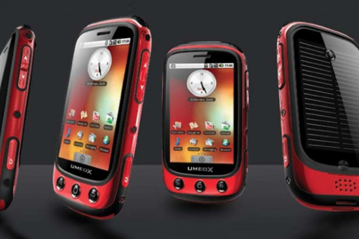 The Umeox Apollo with its in-built solar panel (Image: Mobile Crunch)