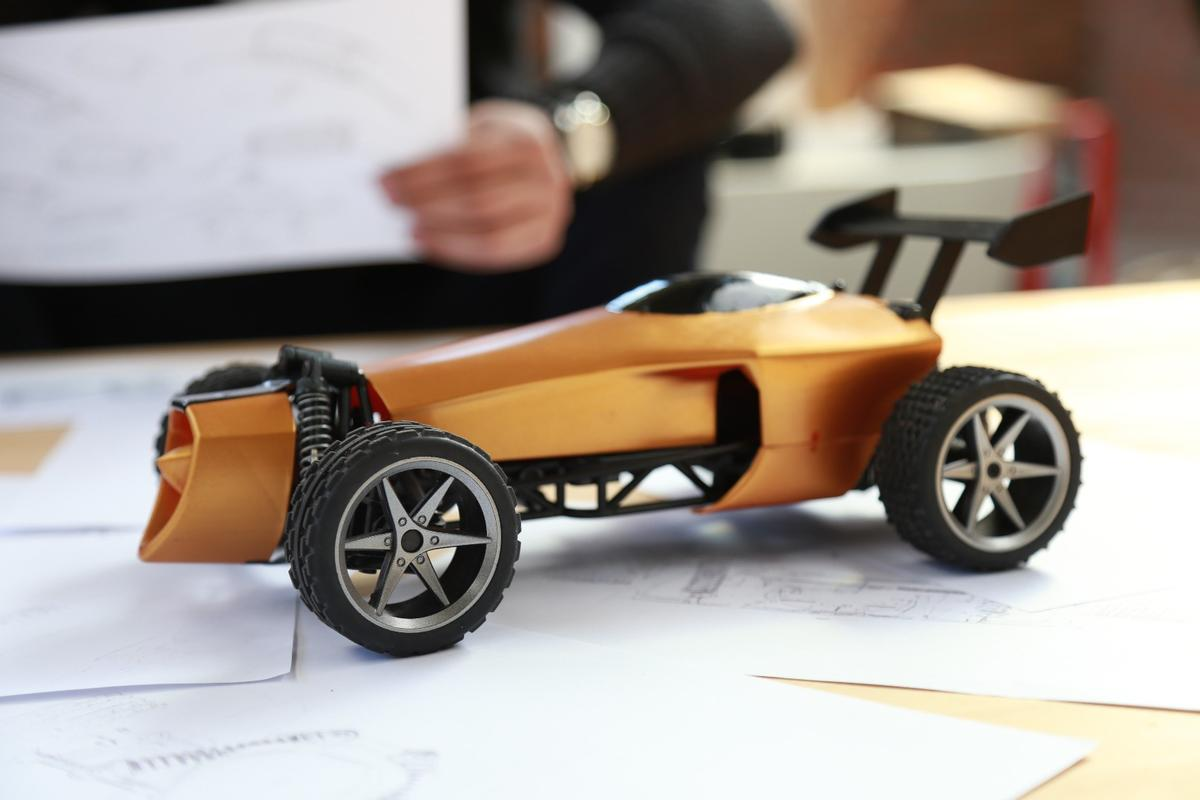 The Ultigesture Gesture-Controlled Smart Car