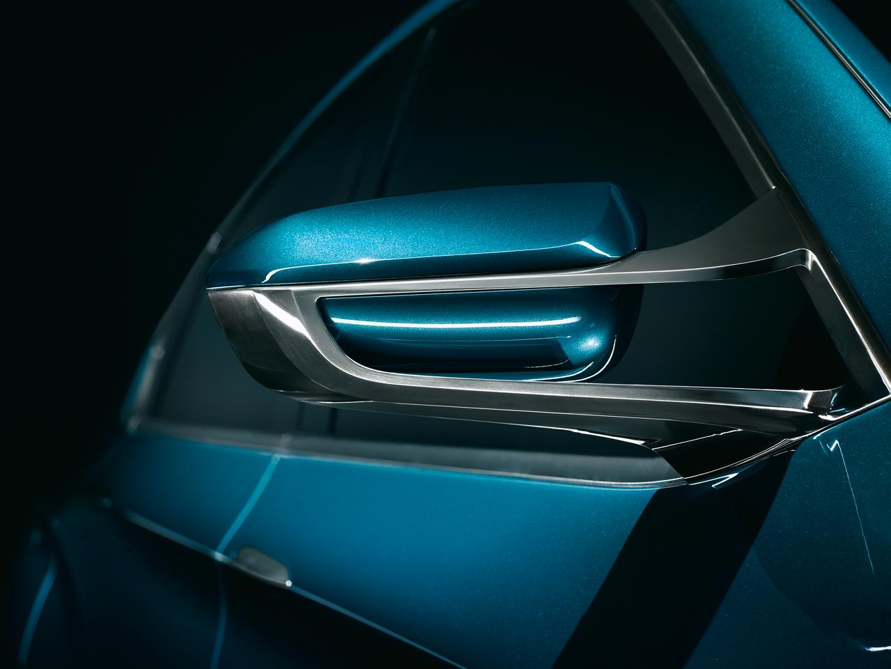 Evolved side mirrors set on twin-stalks, enhance airflow while looking good