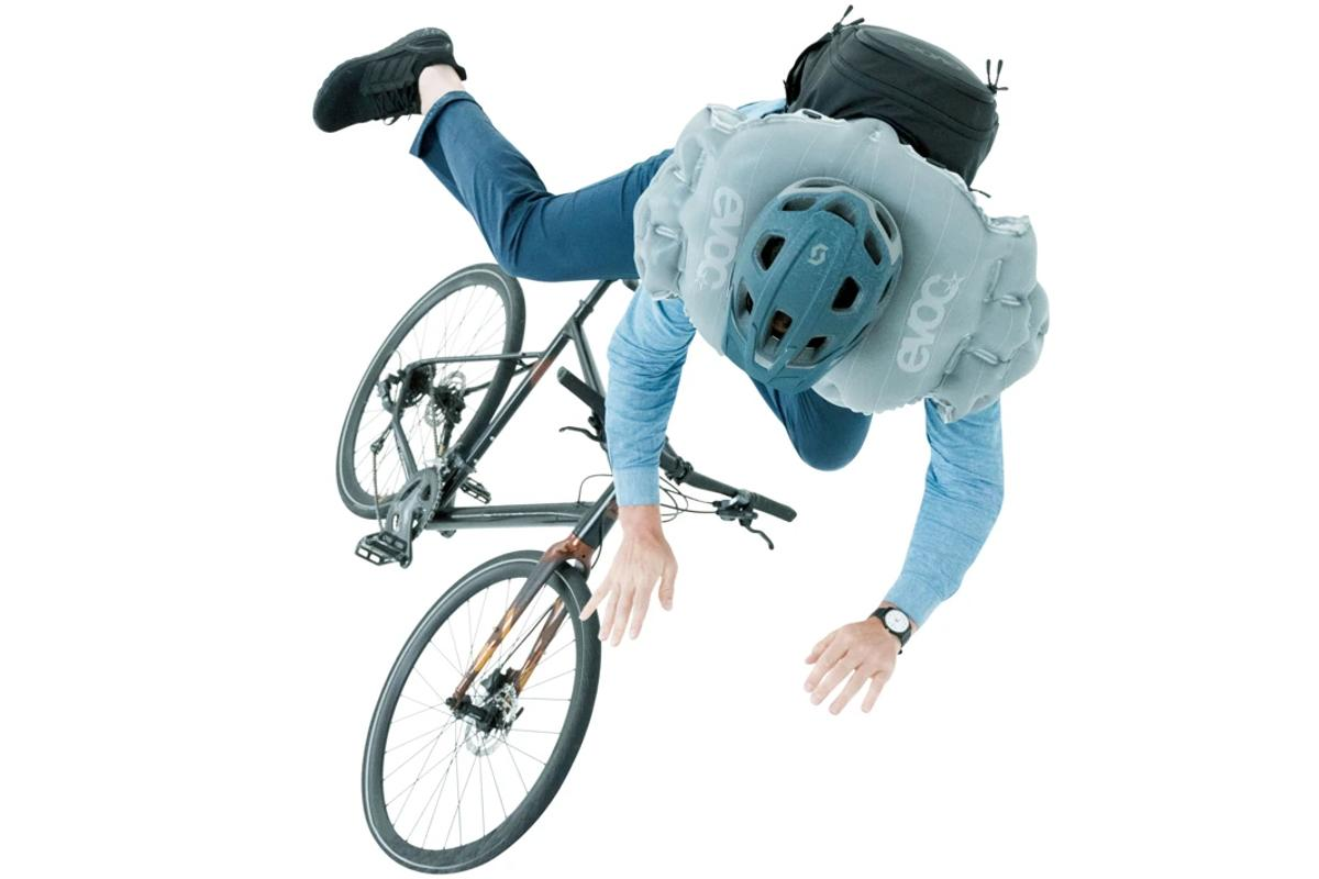 The EVOC Commute Air Pro 18's airbag is claimed to fully deploy within 200 milliseconds of a fall being detected