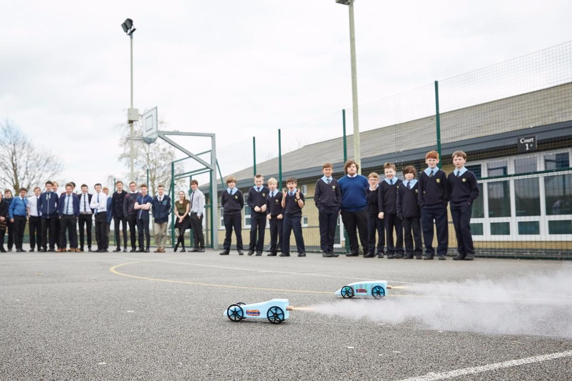 UK schoolkids to build and race rocket-powered cars