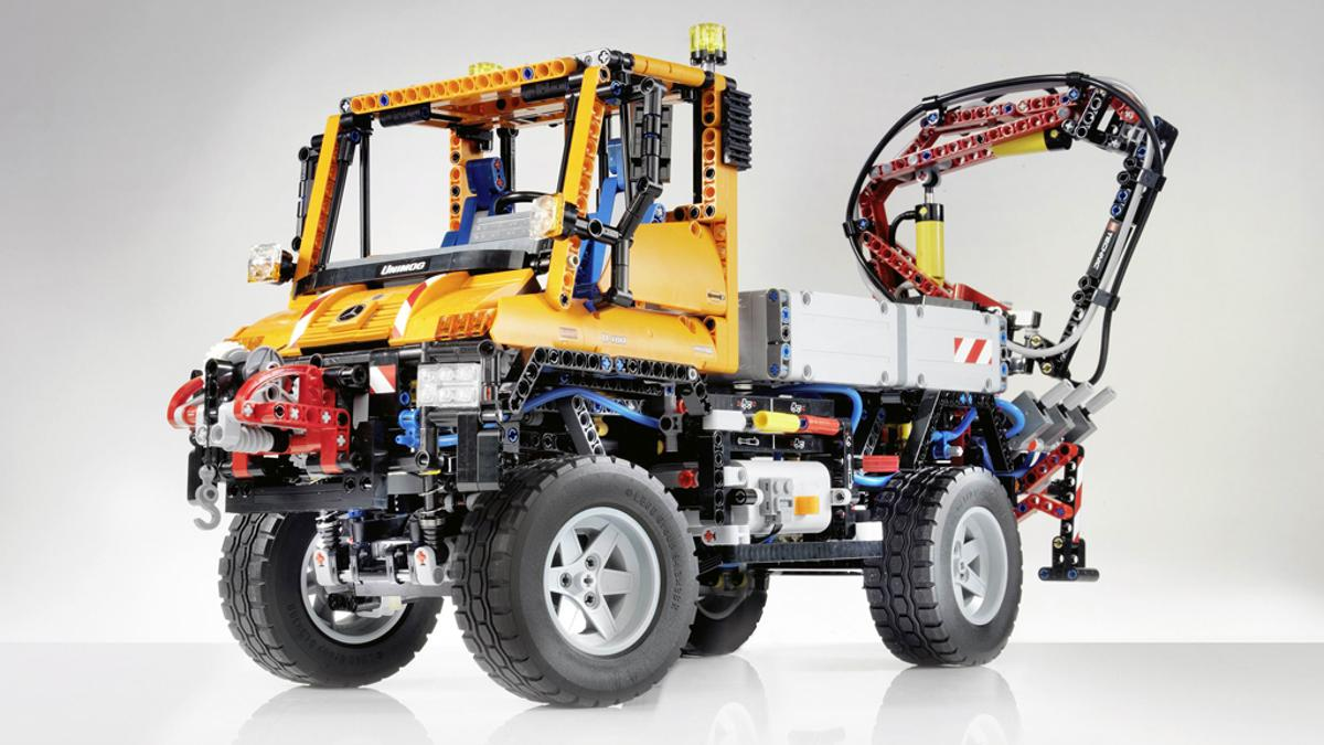 The LEGO Technic Unimog U 400