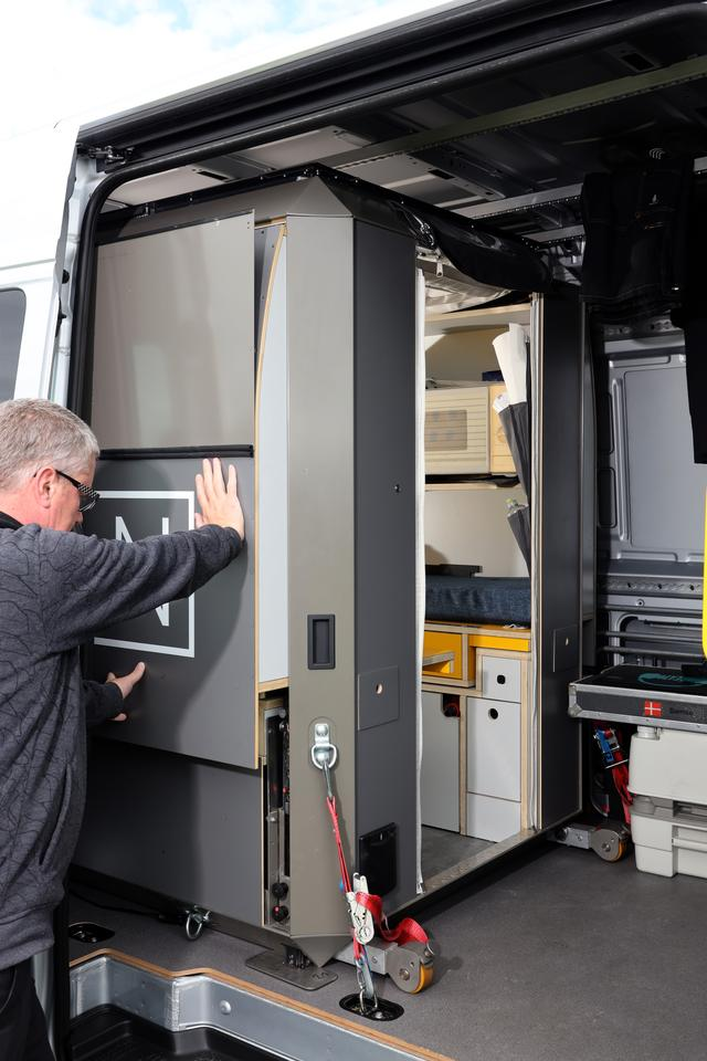 The PlugVan sidewalls push in when it's time to remove the module, expanding inside the van to fit the full van width