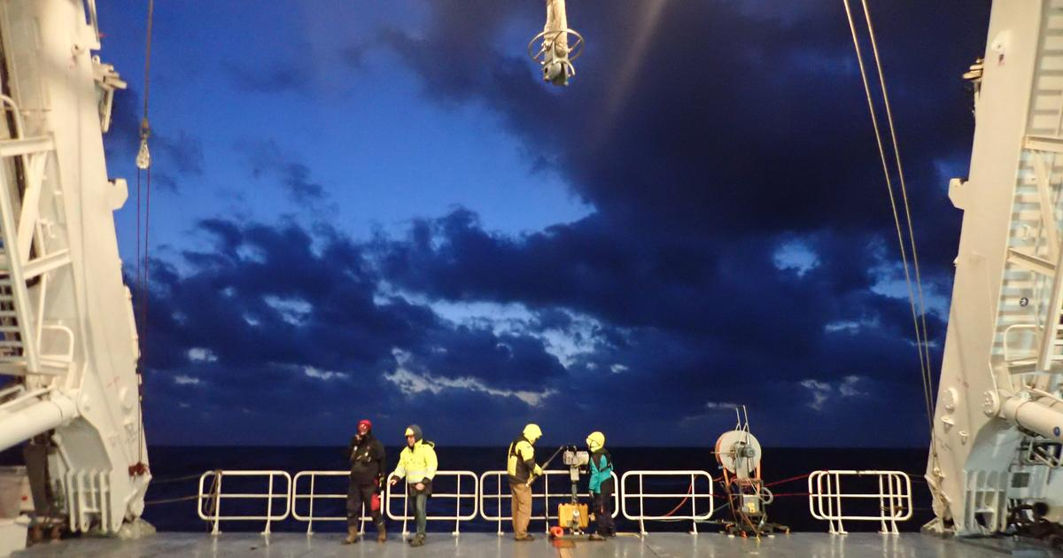 Plankton-seeking oceanographic probe plunges to the inky depths