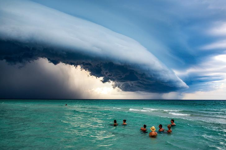 Honorable Mention, People in Nature. A storm comes over Varadero, Cuba, 2019.
