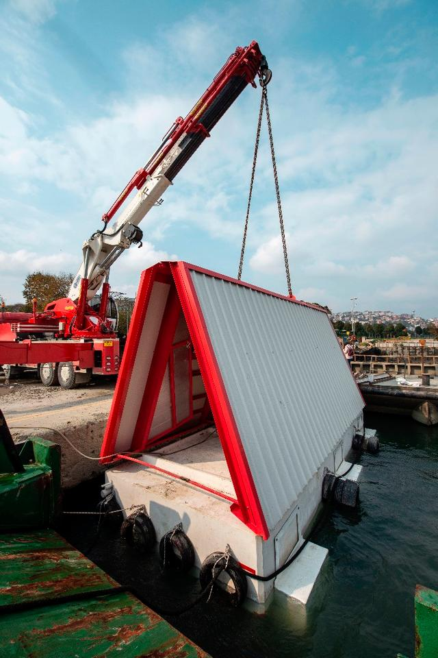 Fold&Float is constructed out of steel