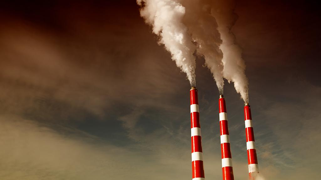 Cooling the emissions from coal-fired power plants would significantly reduce the levels of dangerous chemicals entering the atmosphere (Photo: Shutterstock)