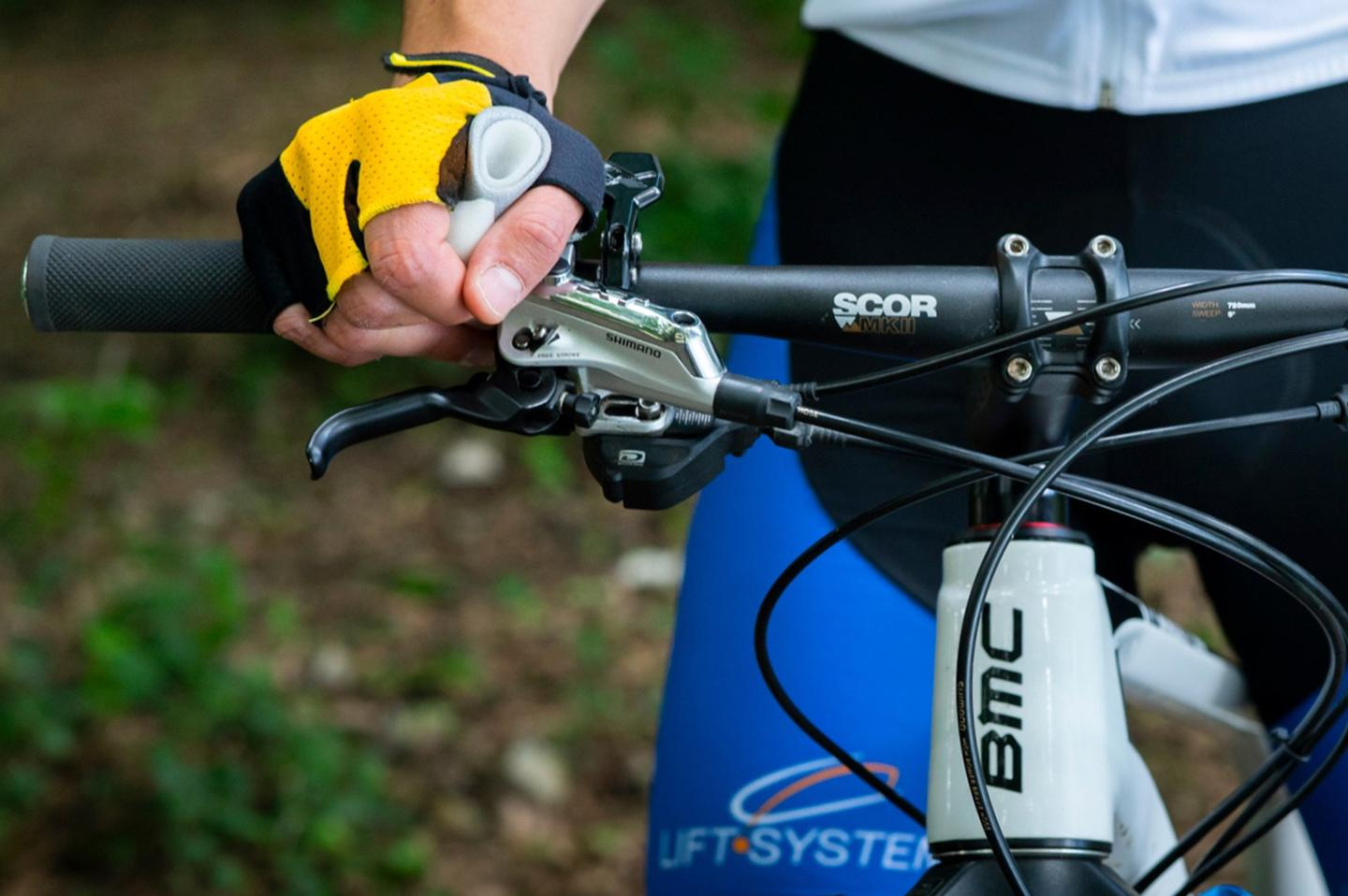 "Spirgrips + fit handlebars with a diameter ranging between 22.2 mm (0.87"") and 31.8 mm (1.25"")"