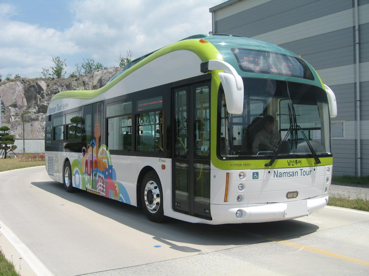 Korea begins first commercial electric bus service